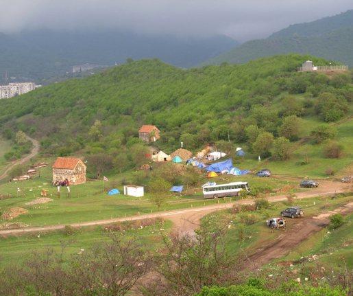 Sakdrisi_tent_camp
