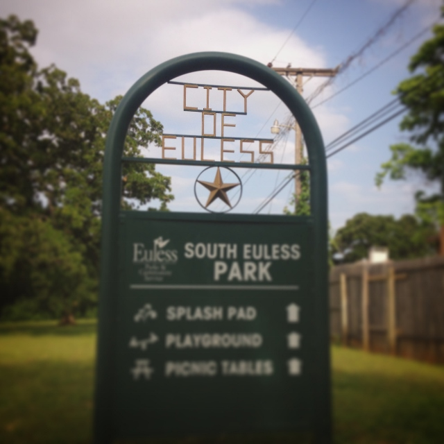 A directional sign located in South Euless Park