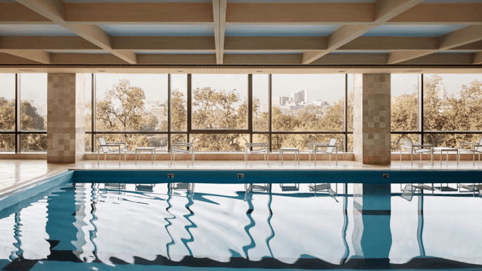 Four Seasons Boston Pool Hotel Luxury