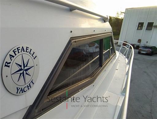 Sestante Yachts - Raffaelli Thypoon  (19)