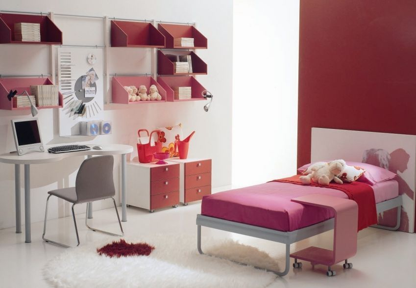 Ready For Fall? 5 Decorating Tips To Spice Up Your Dorm Room