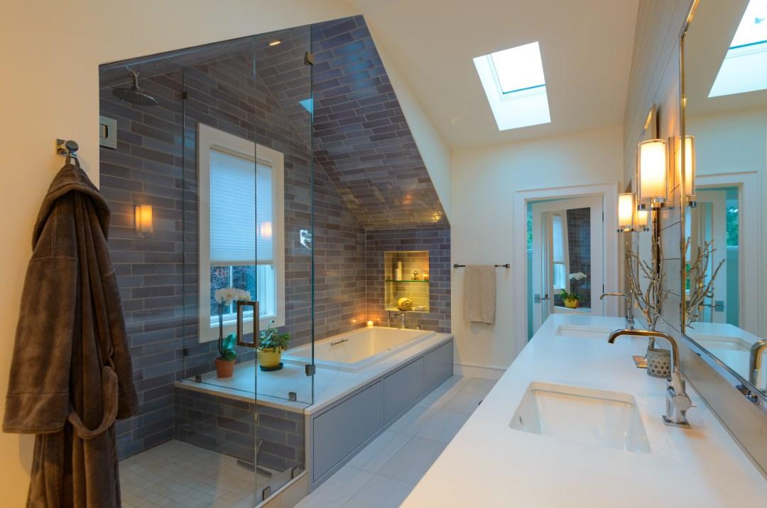 DH Builders Central Oregon Custom Homes And Remodeling - Bathroom remodel bend oregon