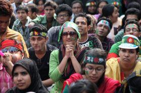 1300128223-icc-world-cup-cricket-mania-in-bangladesh_624285