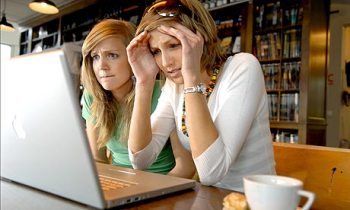 Girls-using-laptop-001