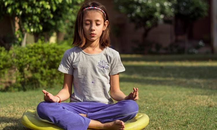 Yoga para niñas y niños