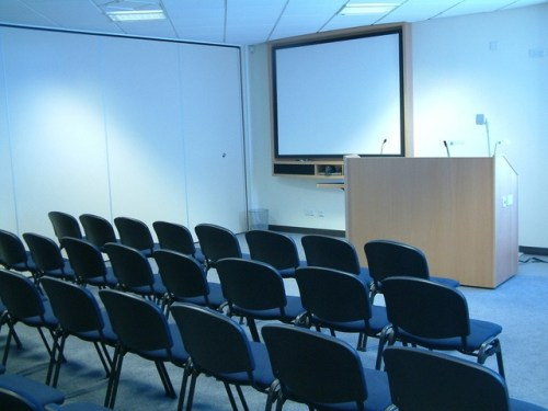 conference-room-1-1487537-640x480.jpg
