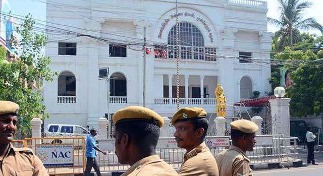 AIADMK At the headquarters Heavy police protection