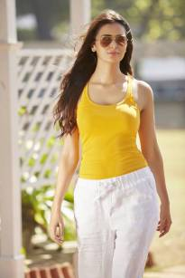 actress-meenakshi-dixit-stills5