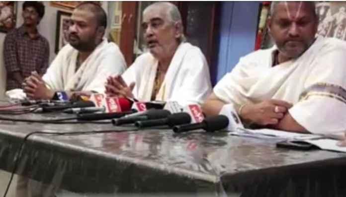 திடுக்கிட வைக்கும் திருப்பதி தேவஸ்தான முறைகேடுகள்: அம்பலப்படுத்திய அர்ச்சகர்களுக்கு நோட்டீஸ்