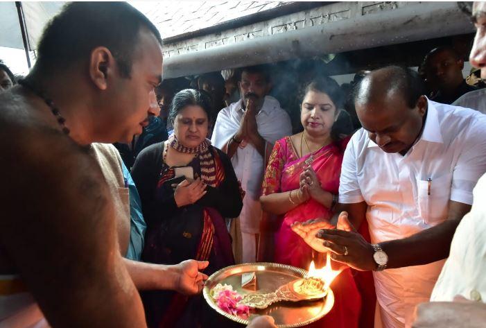 கே.ஆர்.எஸ்., கபினி அணைகளுக்கு பூஜை செய்தார் கர்நாடக முதல்வர்