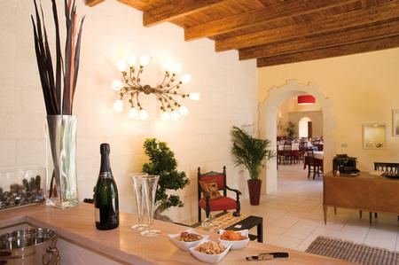 Les solutions de rangement et d'exposition vous offrent le meilleur des deux mondes. Bed And Breakfast Vicino A Via Cellino San Pietro Vernotico Br Pug 72020 Italia