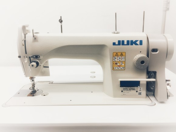 Juki DDL-8700 Single Needle Straight Stitch Complete with White table top stannd and 110 Volt Servo Motor