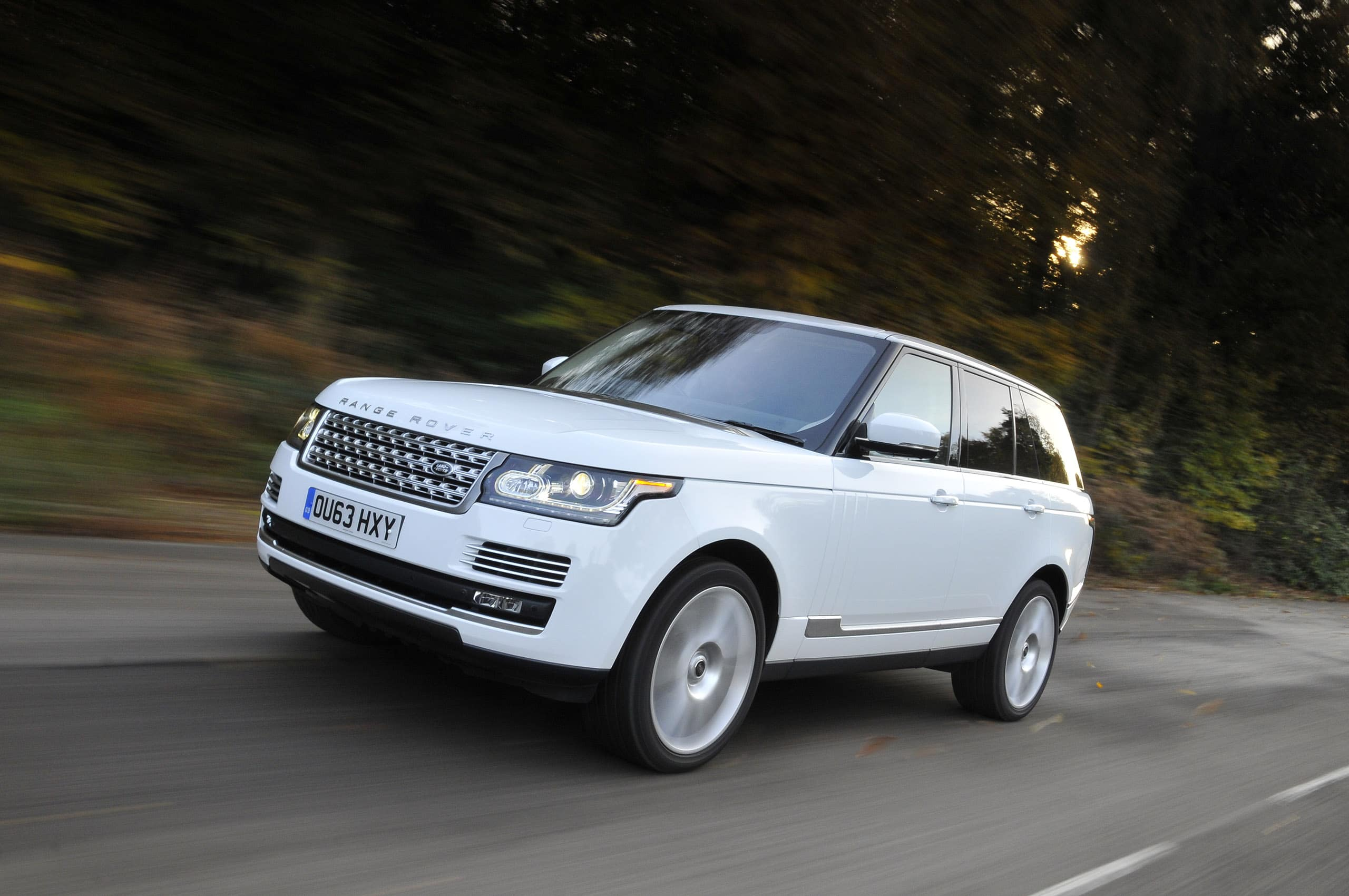 Leader Among Tampa Land Rover Dealers for Your Next Range Rover