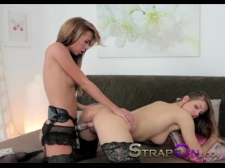 Strapon Natural Sexy Lesbians Enjoy Sex Toy Together