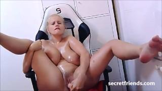 Angel Wicky live oil cum show at SecretFriends