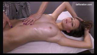 Jennifer gets orgasms from her masseuse