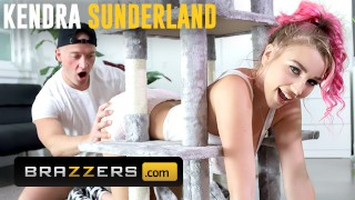 Brazzers - Big tit Kendra Sunderland gets stuck and needs some help from Zac Wild