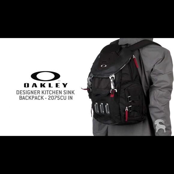 oakley men s bathroom sink backpack