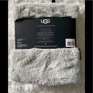 ugg pillow case