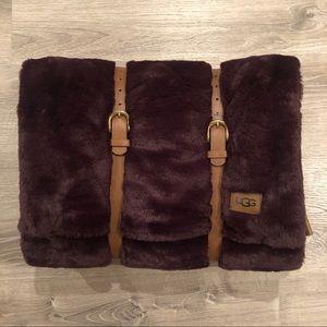 ugg polar throw pillow and blanket gift set port