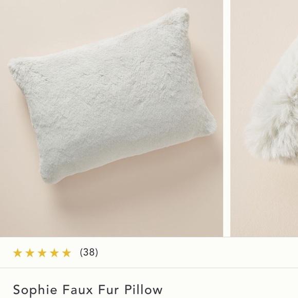 nwot anthropologie sophie grey faux fur pillow