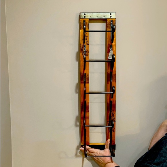 new hanging wine rack