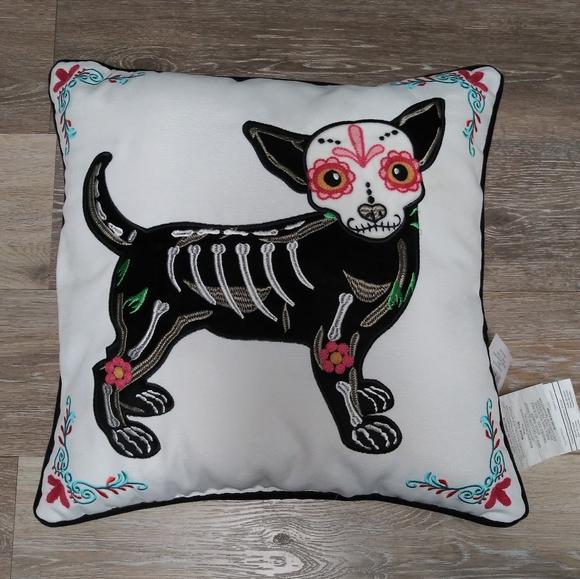 nwt sugar skull dog throw pillow