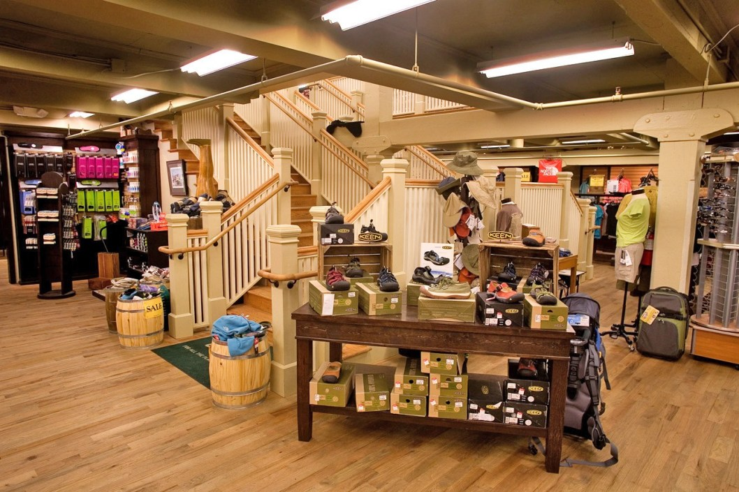 Mast-General-Store-3