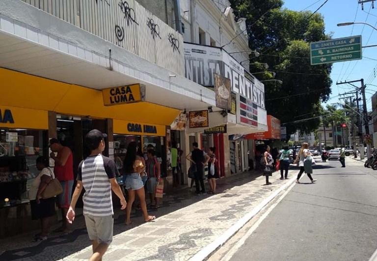 Domingo com lojas abertas até às 16 horas em Cachoeiro de Itapemirim