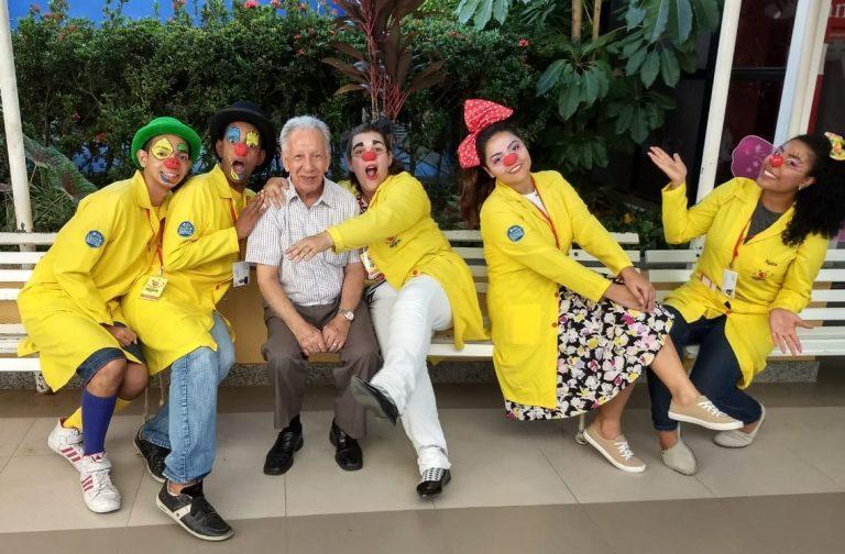 Voluntários fazem a alegria diária de pacientes do Hospital Evangélico de Cachoeiro