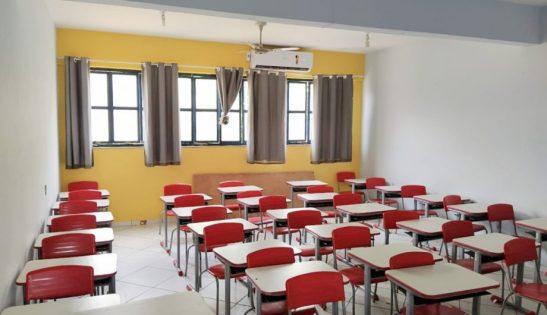 Cachoeiro abre concurso para professores que desejam trocar de escola