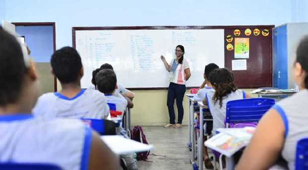 Vila Velha faz seleção para professores e outros cargos