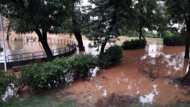 Chuva causa transtornos e suspende aulas em Castelo