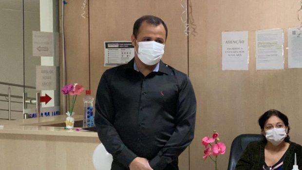 Secretário de Saúde de Marataízes volta ao trabalho após se recuperar da Covid-19