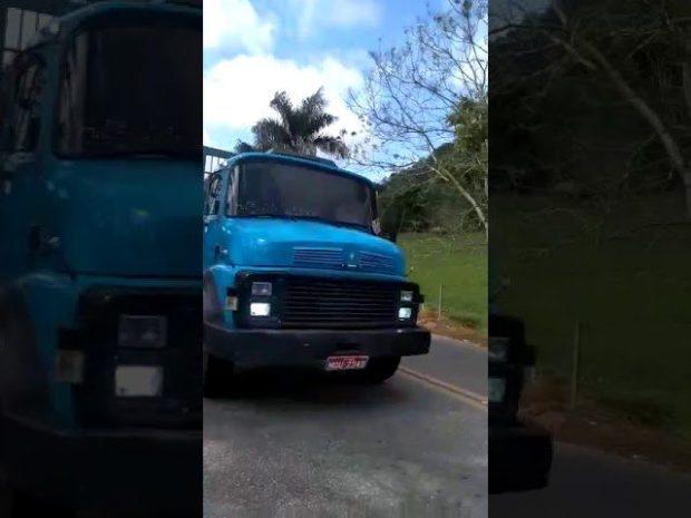 Novo vídeo mostra adolescentes se arriscando na BR 101 em Itapemirim