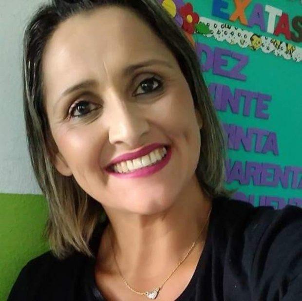Covid-19: professora de Marataízes morre após ficar 22 dias internada