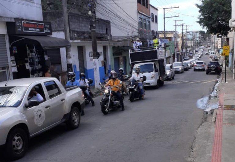 Portuários saem em carreata em protesto contra demissões no Estado