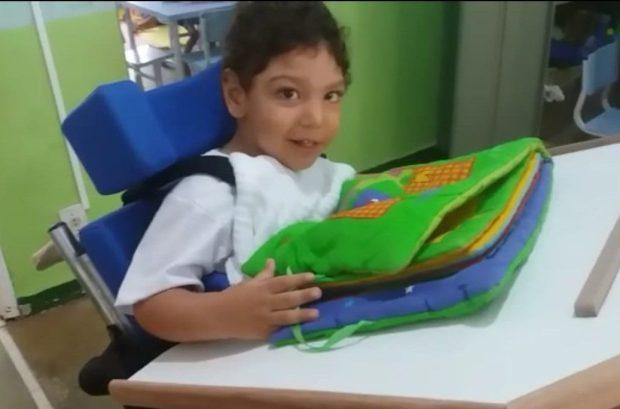 Família de criança com microcefalia pede ajuda para tratamento no Paraguai