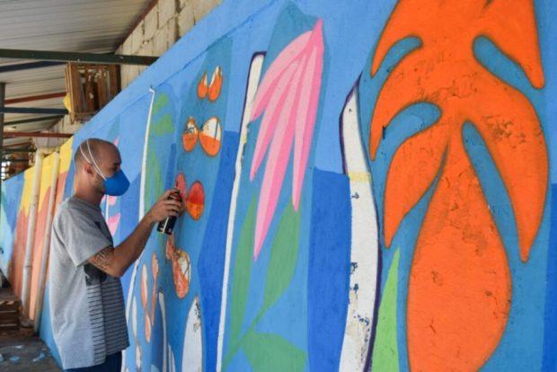 Novas pinturas levam cor e alegria para áreas públicas de Cachoeiro
