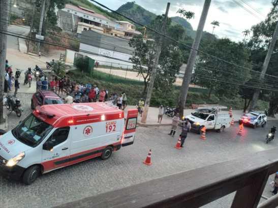 Acidente de moto e caminhonete deixa garota ferida em Muqui