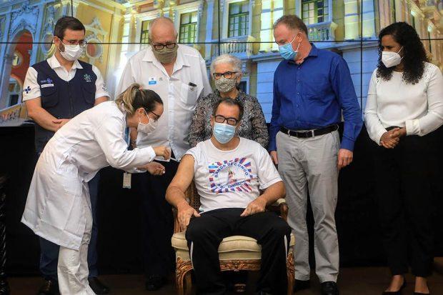 Covid – ES começa a vacinar pessoas com comorbidades, deficiências e gestantes