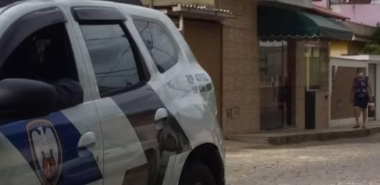 Após discussão com vizinho, homem de 49 anos é baleado no abdome em Mimoso