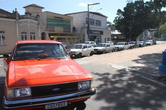 Mimoso realiza primeiro encontro de carros antigos e rebaixados