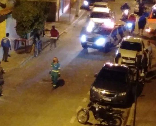 Homem embriagado bate em carro estacionado em Mimoso do Sul