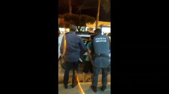 Homem é detido após ameaçar policiais e funcionários de cartório no Sul