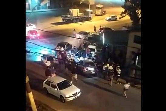 Bandidos de carro passam atirando e matam rapaz de 18 anos no União
