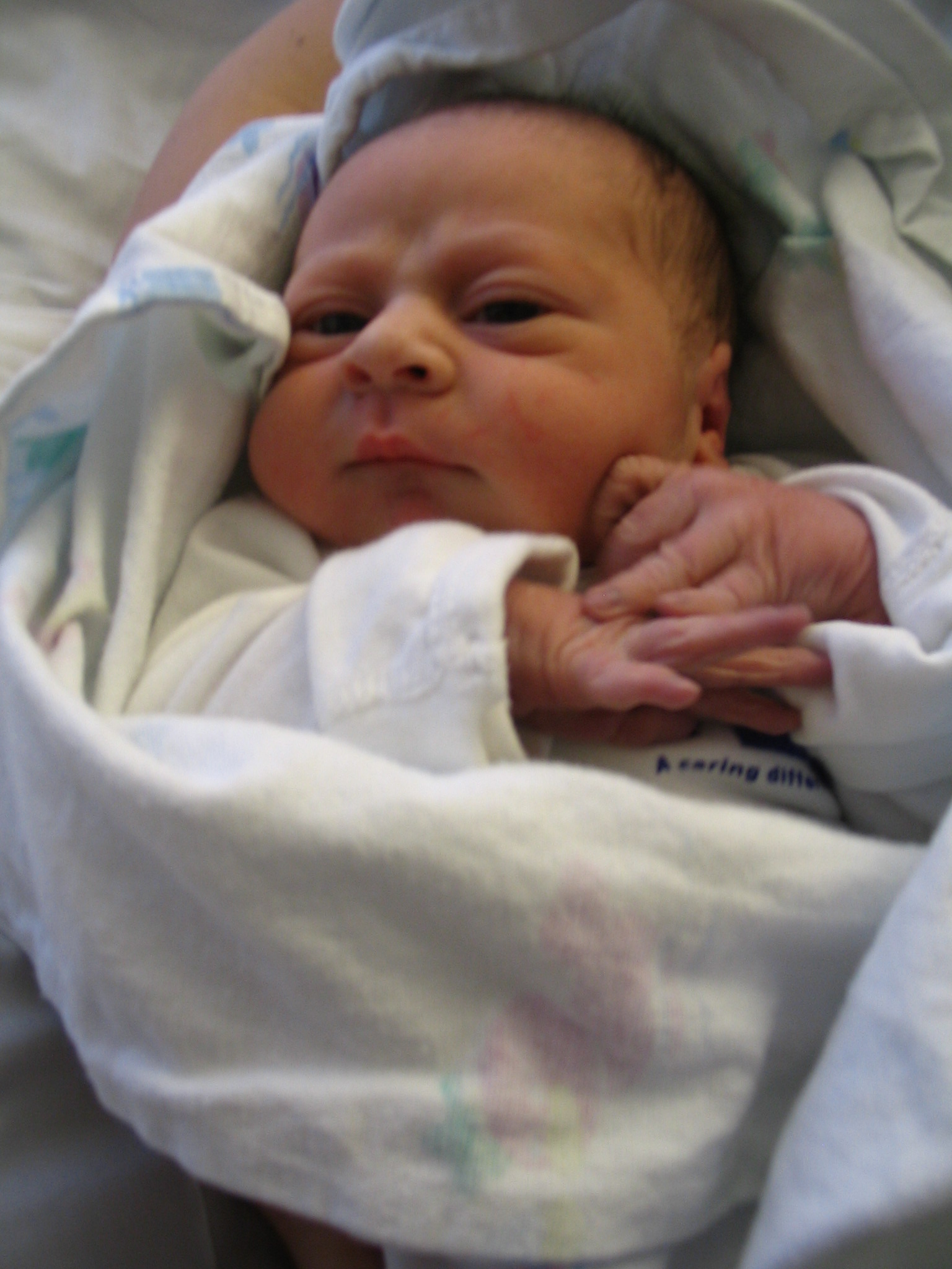 (c)2009 Em, https://diabetesdietdialogue.wordpress.com Our new Grandson, Day 1