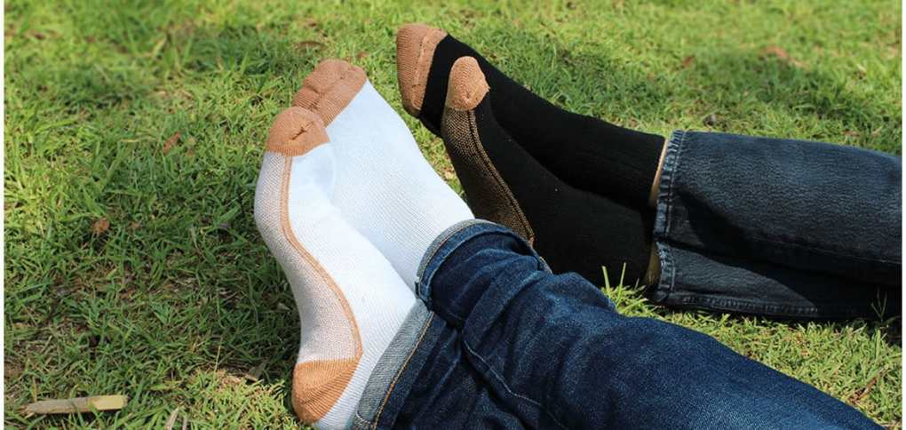 GLUCOLOGY-COPPER-BASED-DIABETIC-SOCKS