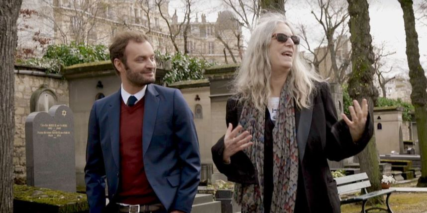 Augustin Trapenard et Patti Smith au cimetière du Montparnasse