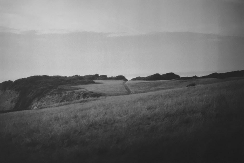 Abbadia, paysage #1, 2011 tirage argentique, 2016, format 80x120 cm, ©Anne-Lise Broyer, courtesy La Galerie Particulière Paris. Extrait de la série «Regards de l'égaré».